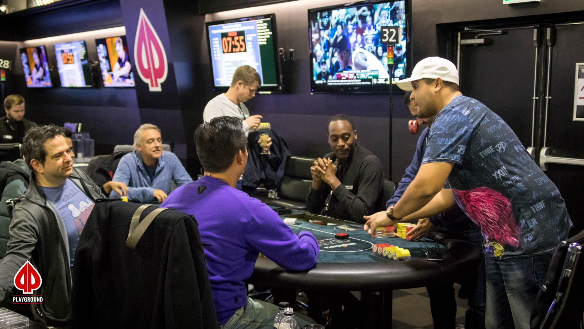 7-seated final table