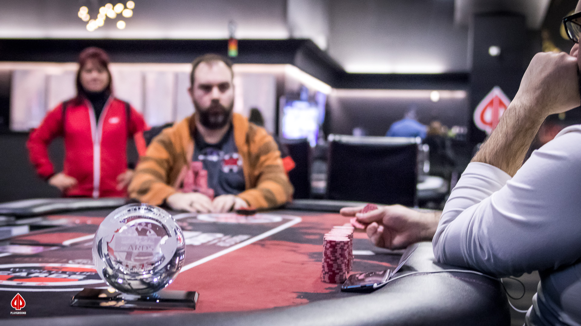 The tournament is heads-up between Ozor and Drolet-Poitras